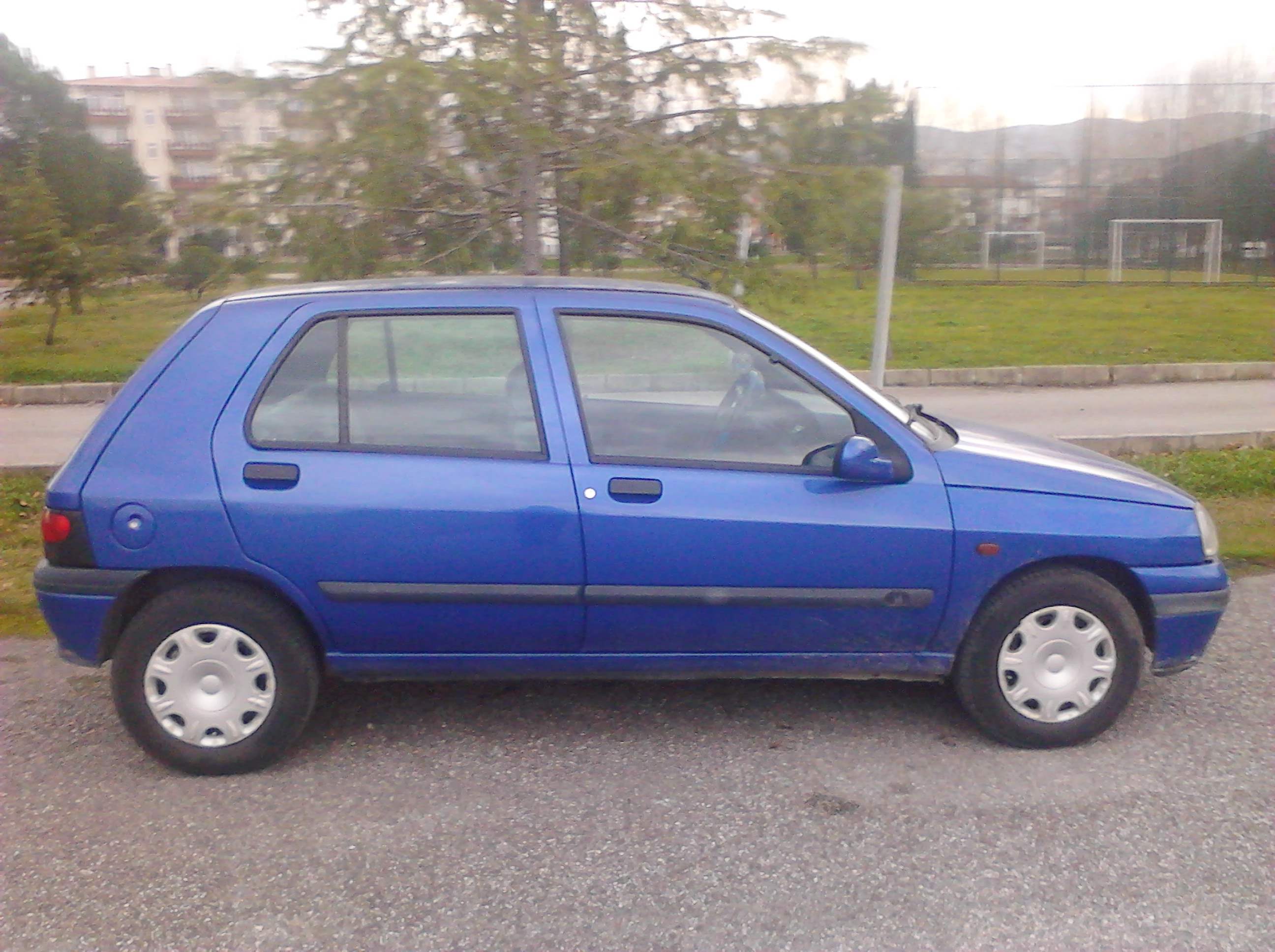 1998 renault clio ii 1 4 rt related infomation specifications weili automotive network. Black Bedroom Furniture Sets. Home Design Ideas