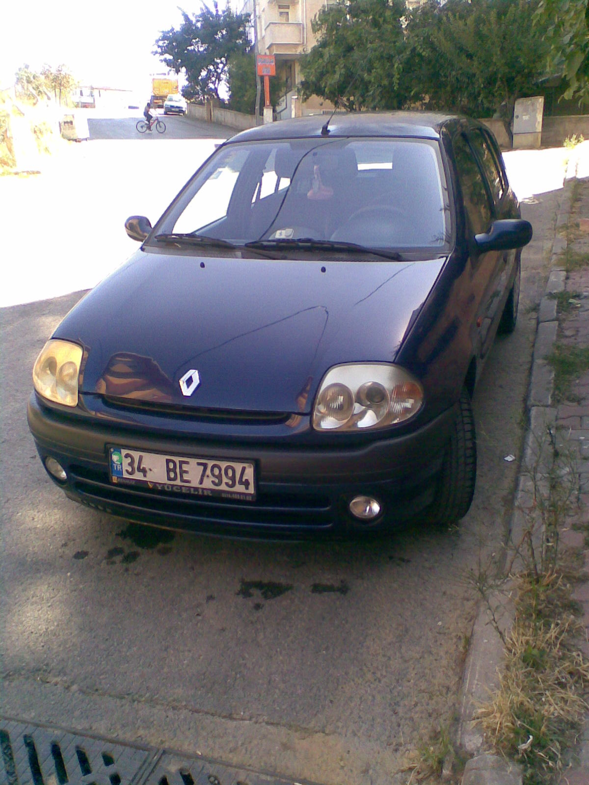 2002 renault clio ii 1 4 16v automatic related infomation specifications weili automotive network. Black Bedroom Furniture Sets. Home Design Ideas